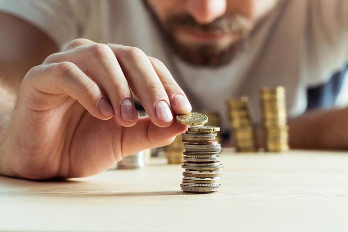 Inadimplentes empenhados em pagar dívidas caem para 68%