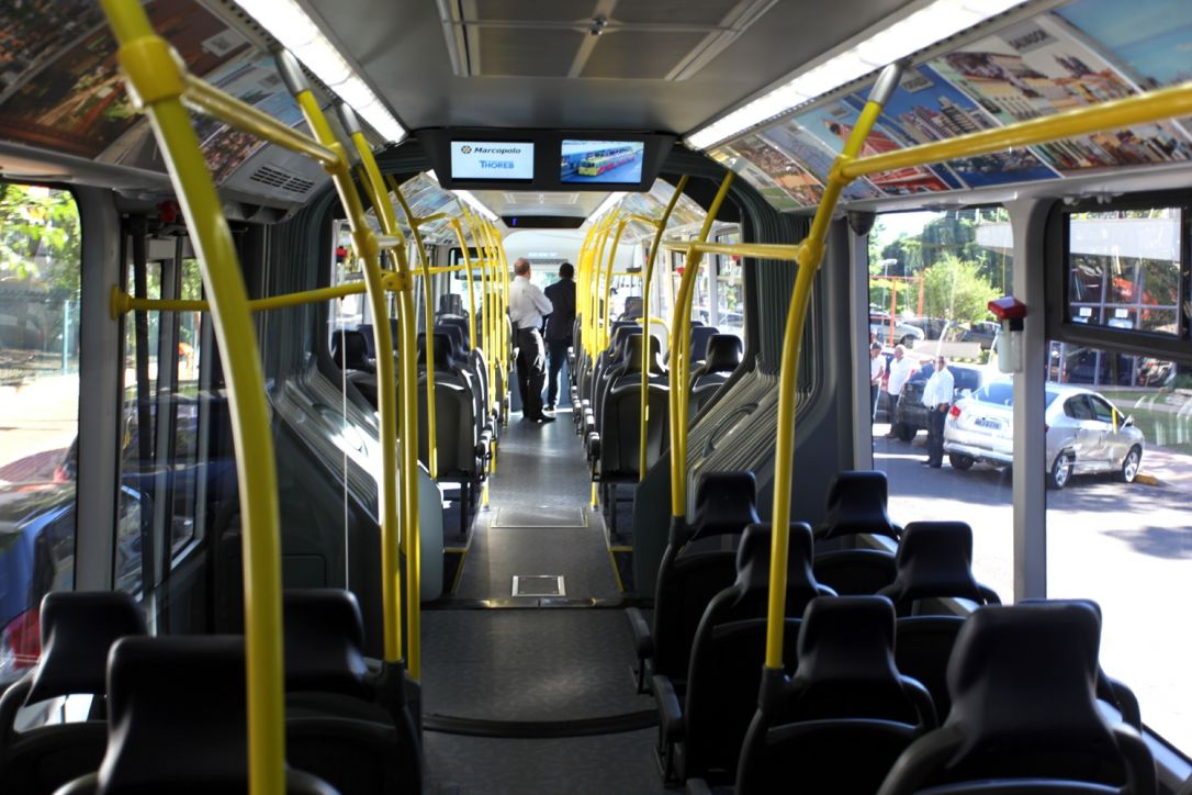 Prefeito de Governador Valadares veta aumento de passagem de ônibus