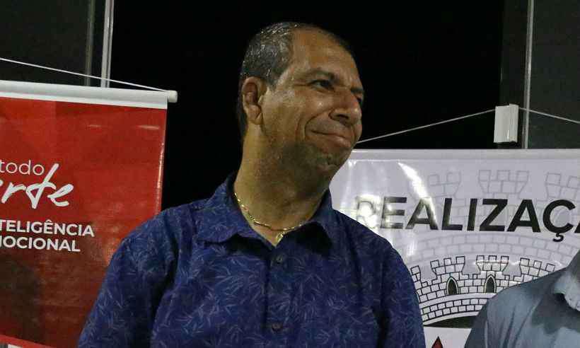 Prefeito de Manhumirim é afastado do cargo por ação de improbidade administrativa