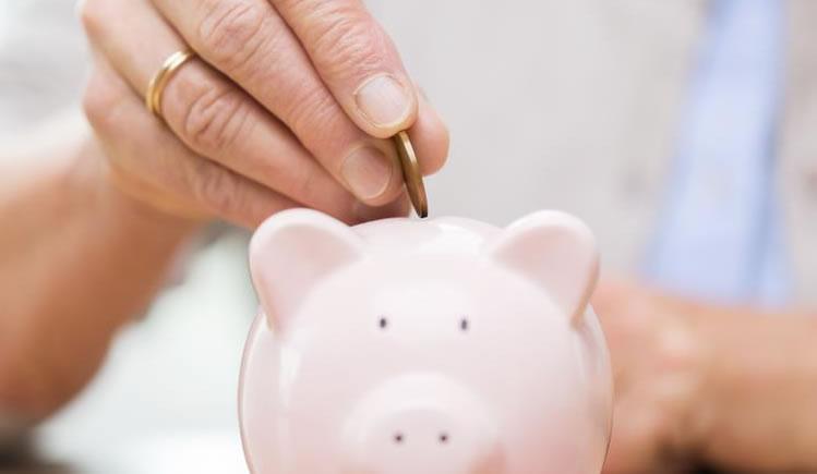 Crédito consignado pode ter carência, estudam bancos
