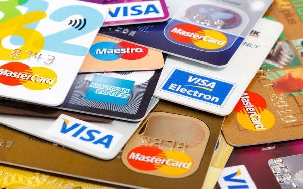BC está monitorando tarifas de cartão de crédito, diz Campos Neto