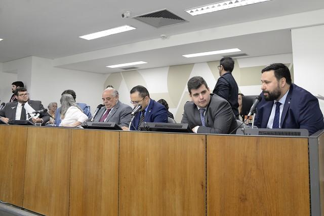 PEC autoriza repasse direto de recursos estaduais para municípios