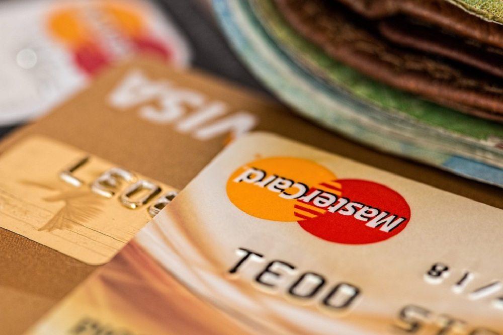 Banco deve pagar R$ 5 mil a cliente por danos morais