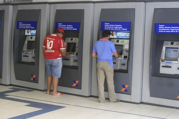 32,7 milhões se cadastraram para receber R$ 600, diz Caixa