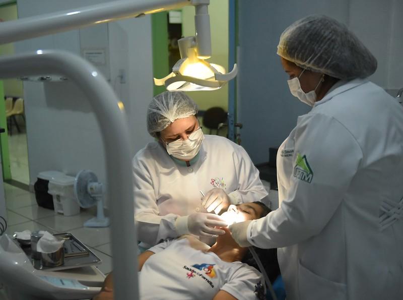 Com atendimento até às 22h, unidades de saúde de Uberaba contabiliza 3 mil procedimentos