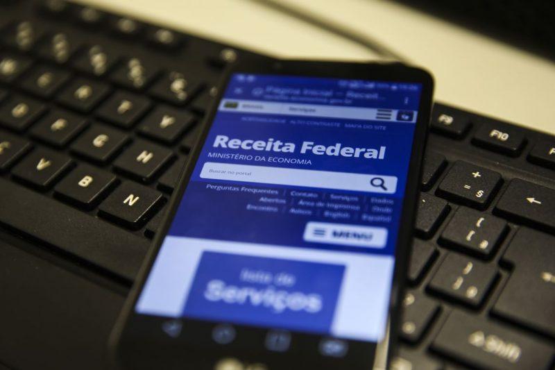 Dinheiro corrigido cairá na conta de 2.703.715 contribuintes no dia 15 de outubro