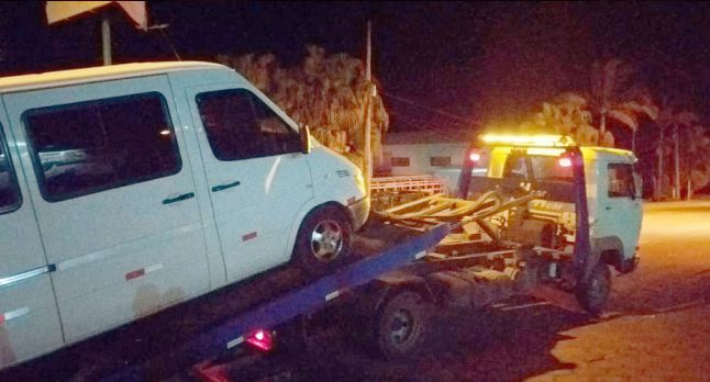 Operação contra transporte irregular já autuou veículos, ônibus e van em Barbacena