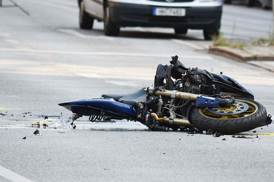 Pai de motociclista morto será indenizado em R$ 100 mil