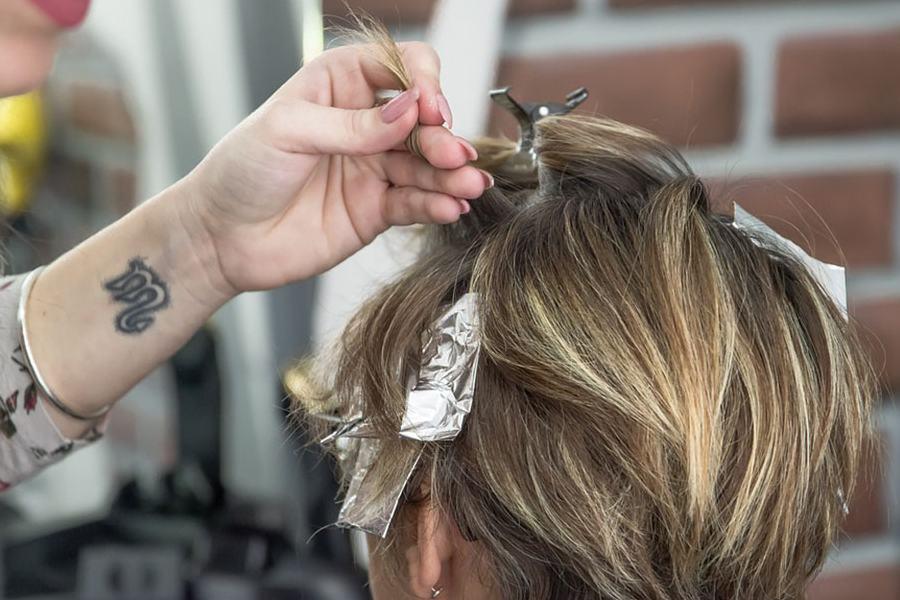 Patrocínio: indenização a jovem por danos em couro cabeludo