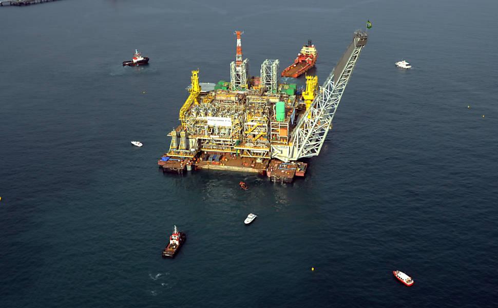 Sucesso em leilão de áreas de petróleo leva governo a liberar R$ 7,3 bilhões