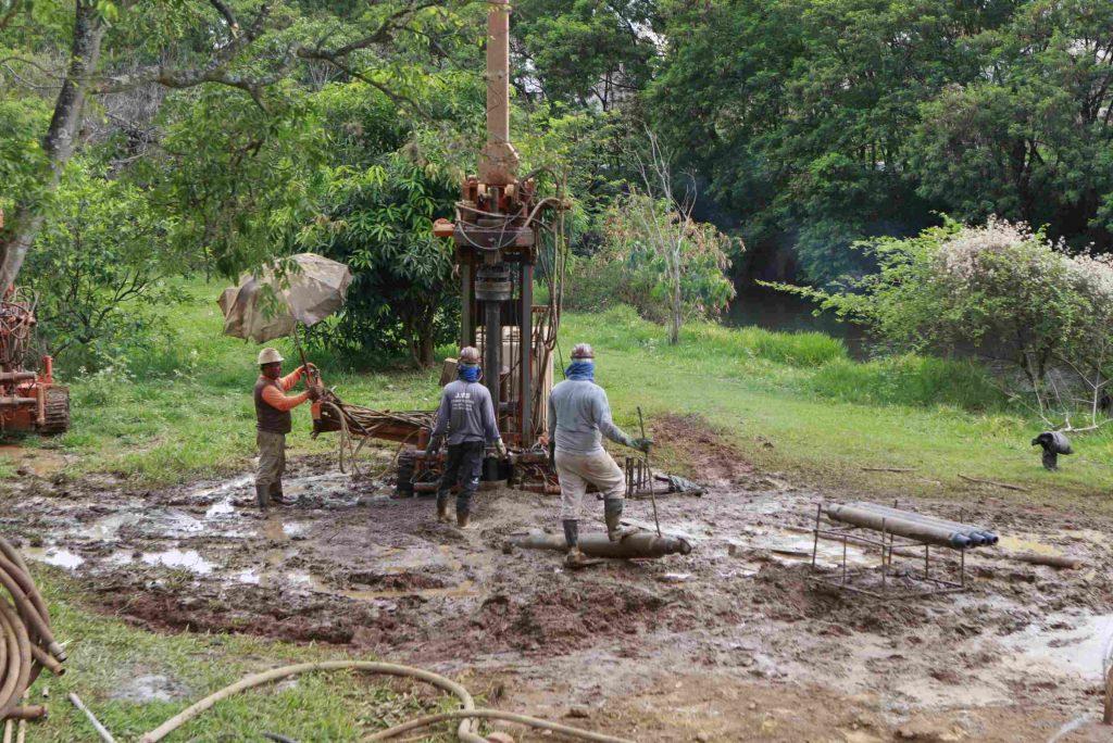 Uberlândia: fundação da ponte dos Mognos, sobre o rio Uberabinha, é iniciada