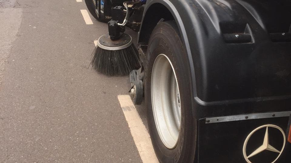 Varrição automatizada inicia em Itabira com a promessa de limpeza de 1,5 mil km por mês