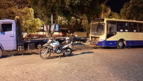 Veículo do transporte coletivo com irregularidades é recolhido para pátio em Divinópolis