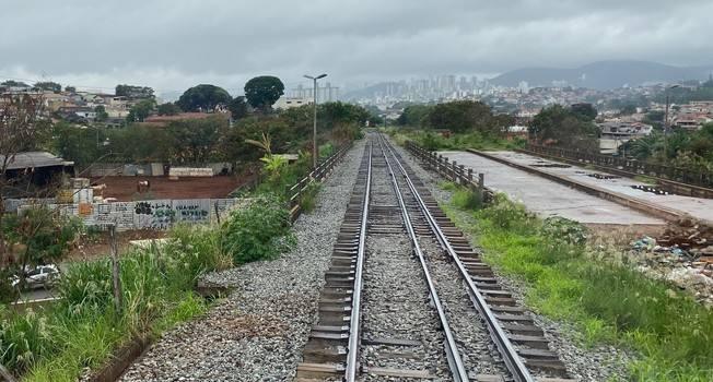 Autoridades visitam trecho da linha 2 do metrô de Belo Horizonte