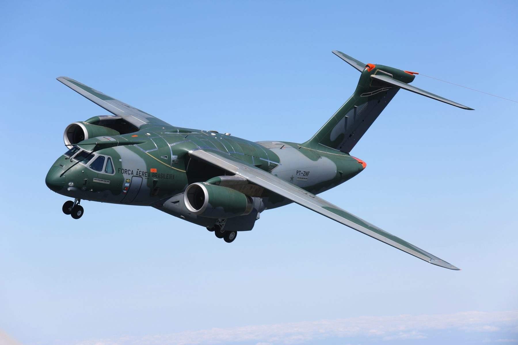 Embraer anuncia joint venture com Boeing para promover C-390