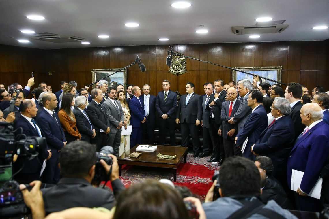 Pacto federativo pode transferir até R$ 500 bilhões a estados e municípios