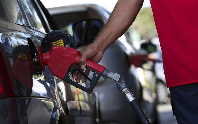 Petrobras reajusta gasolina nesta terça em 2,8% nas refinarias