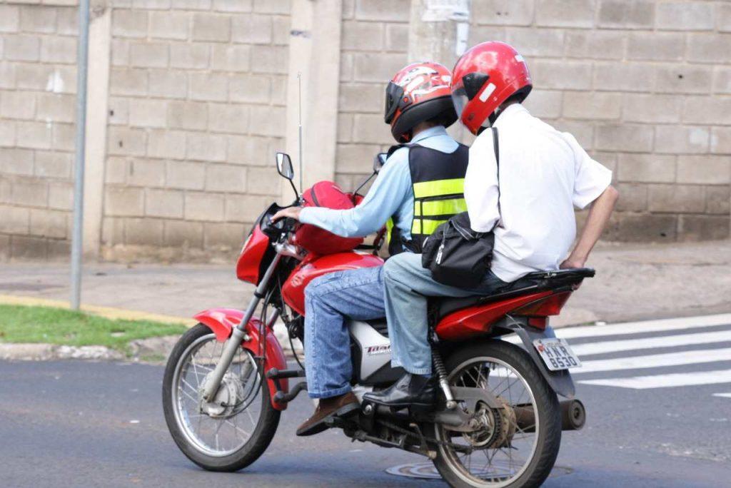 Uberlândia realiza cadastro prévio de mototaxistas e motofretistas em dezembro
