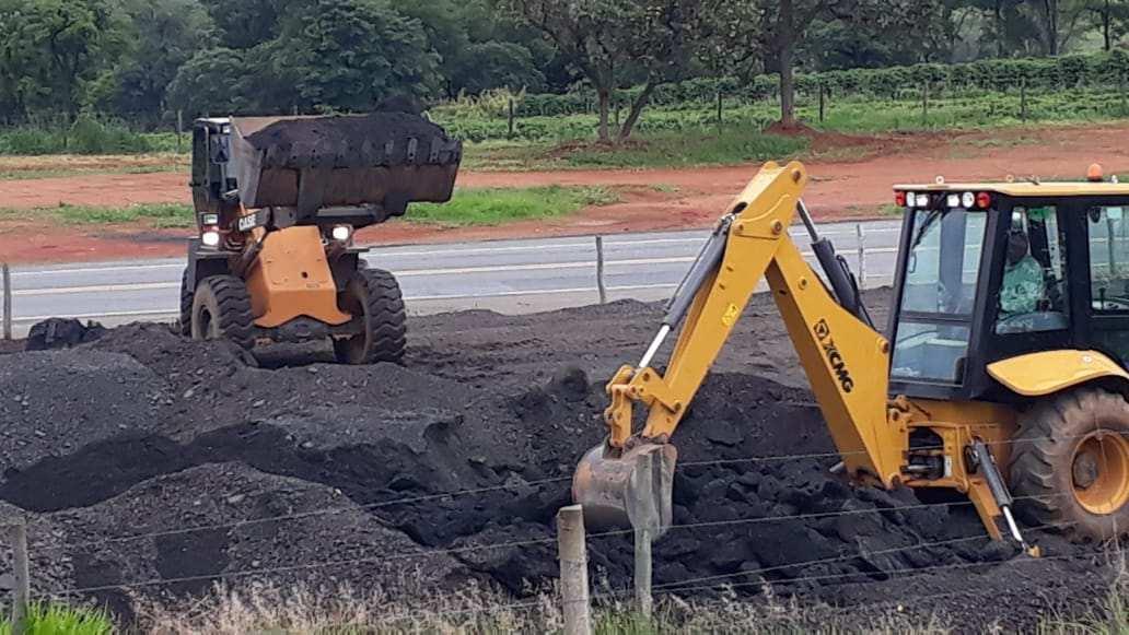 Prefeitura de Araxá utilizará material asfáltico retirado da BR-262 em estradas vicinais