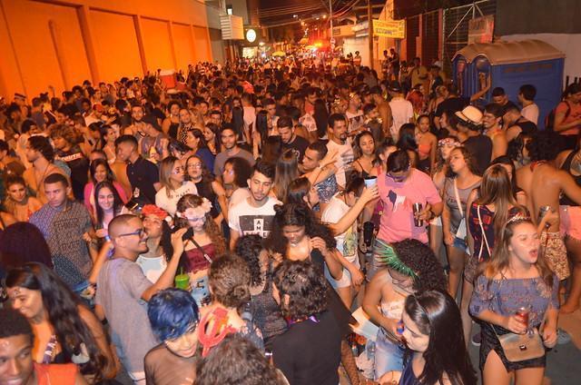 Carnaval em João Monlevade: folia com o tema 'O bloco do amor' com o Grupo Sapeca Iá-Iá