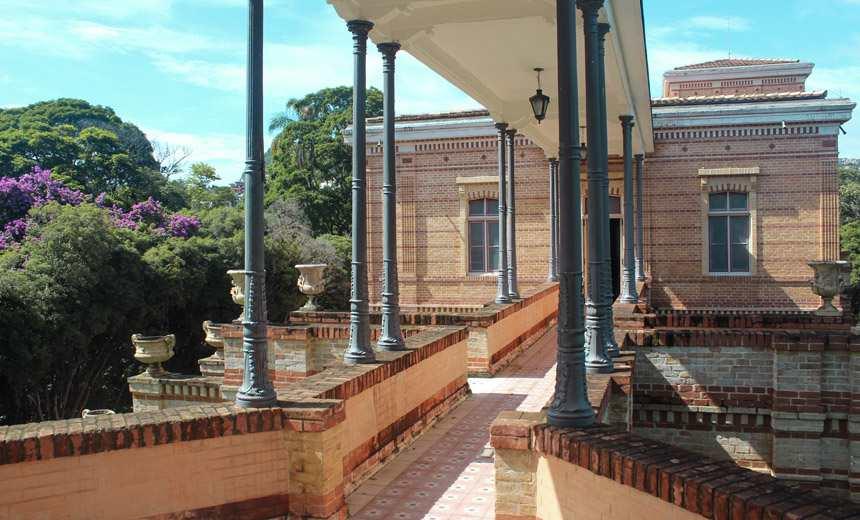 """Reaberta visitação ao castelinho da """"Villa Ferreira Lage"""" em Juiz de Fora"""