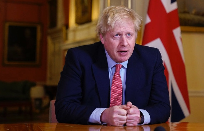 Boris Johnson é levado para UTI e respira por aparelhos