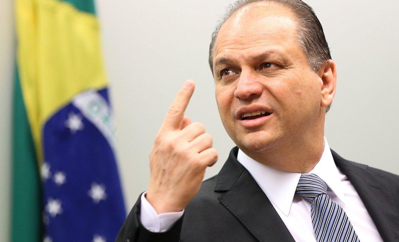 Ex-ministro da Saúde testa positivo para Coronavírus