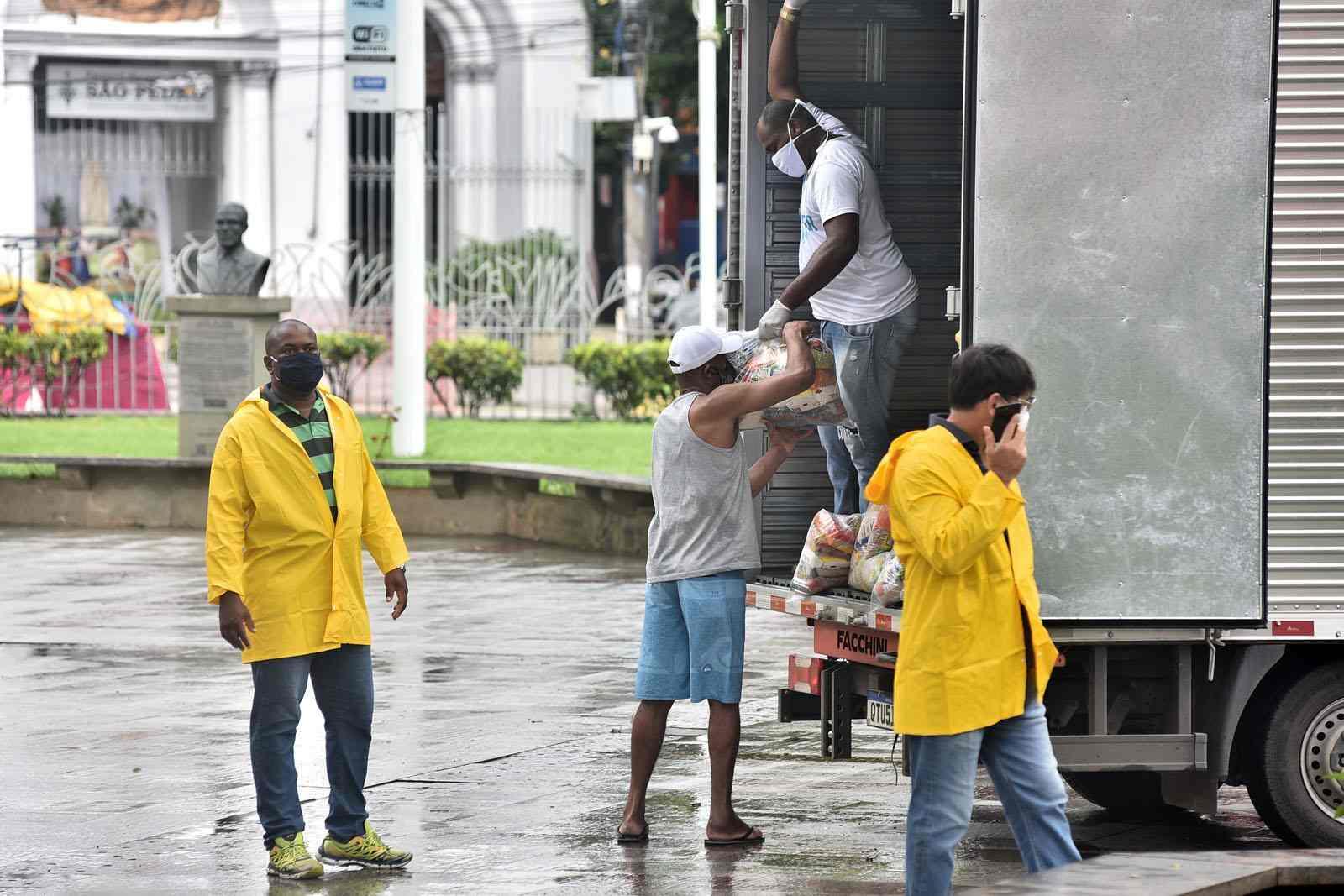 Brasil tem segundo dia de queda no número de mortos por Coronavírus. Há subnotificações