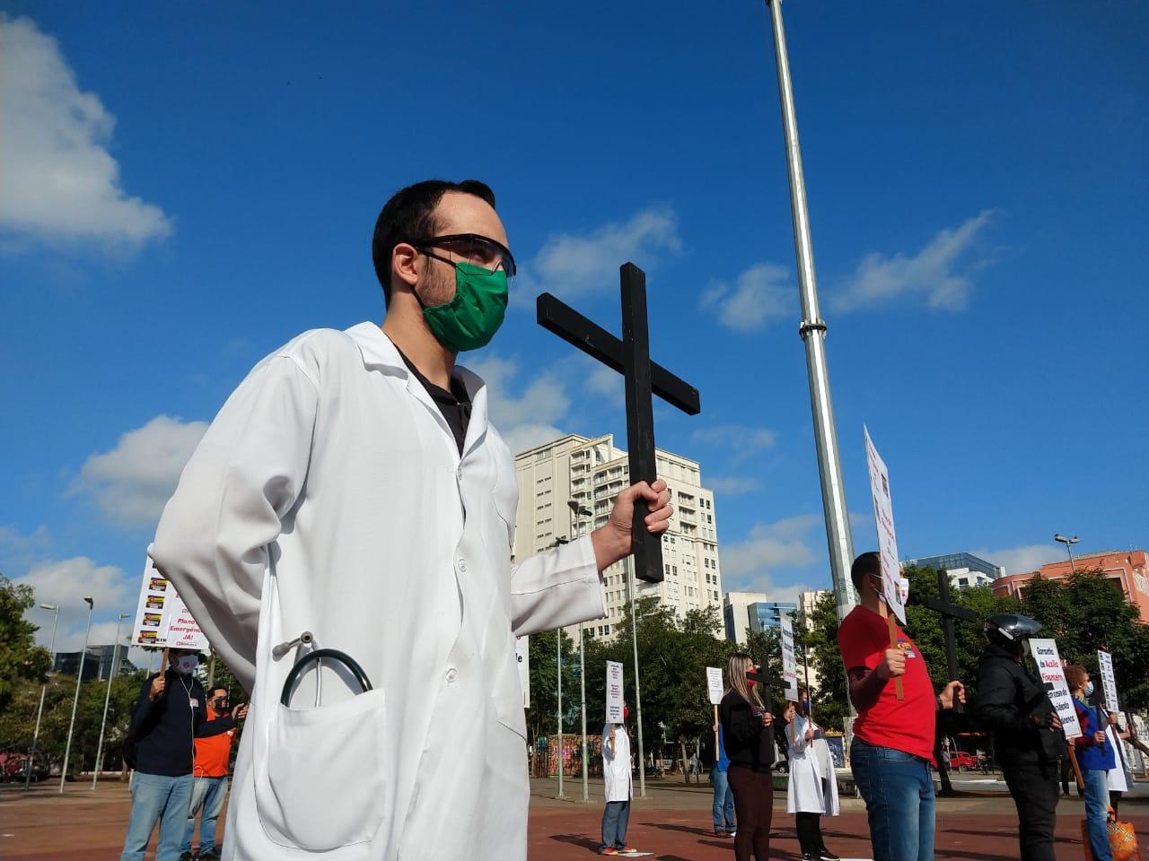 Coronavírus já é o evento mais letal no Brasil em 102 anos