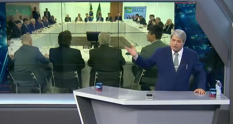 Datena diz ao vivo que não entrevista mais Bolsonaro após série de palavrões. Assista
