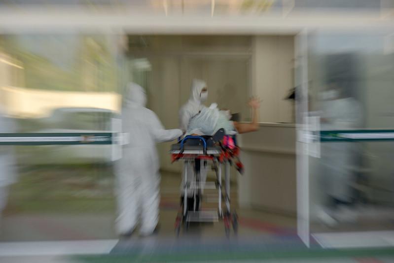 Dois bebês recém-nascidos estão com Coronavírus