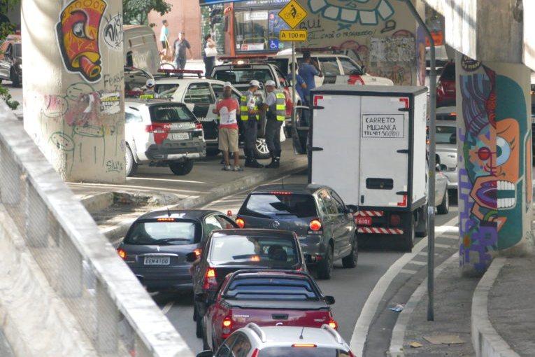 Motorista pode circular com documento vencido em Minas Gerais?