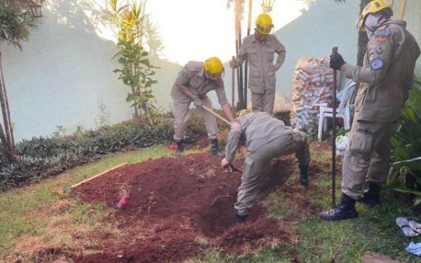Mulher matou o marido e o enterrou no quintal, há dois anos, após discussão