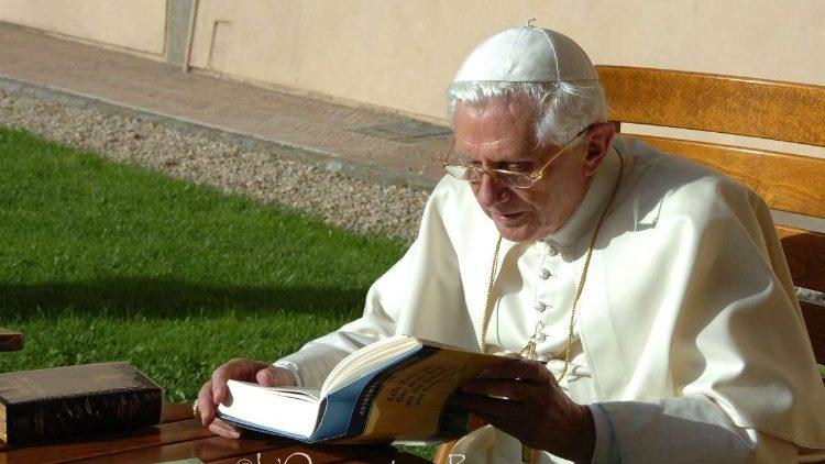 Papa ataca casamento gay