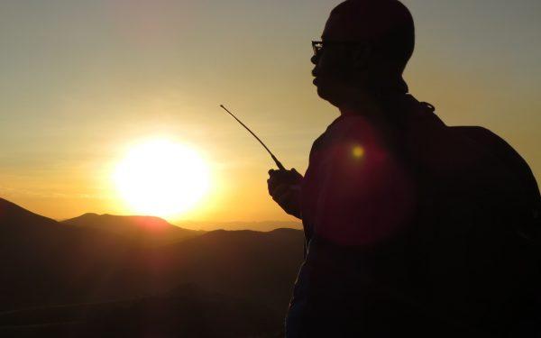 Expedição nas montanhas de Minas Gerais: radioescuta e radioamadorismo em Lavras Novas. Veja vídeo