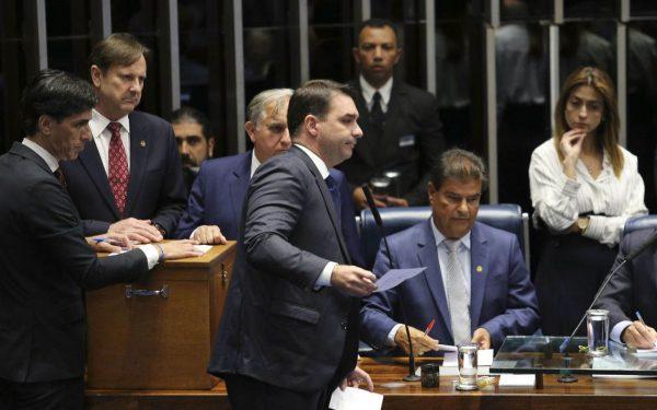 Novo advogado de Flávio Bolsonaro é ex-defensor de Sérgio Cabral