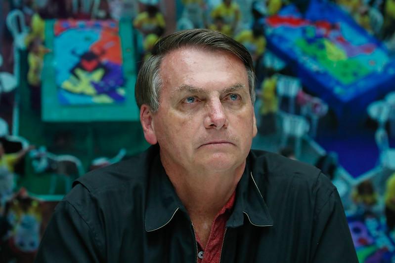 Bolsonaro volta a testar positivo para Coronavírus