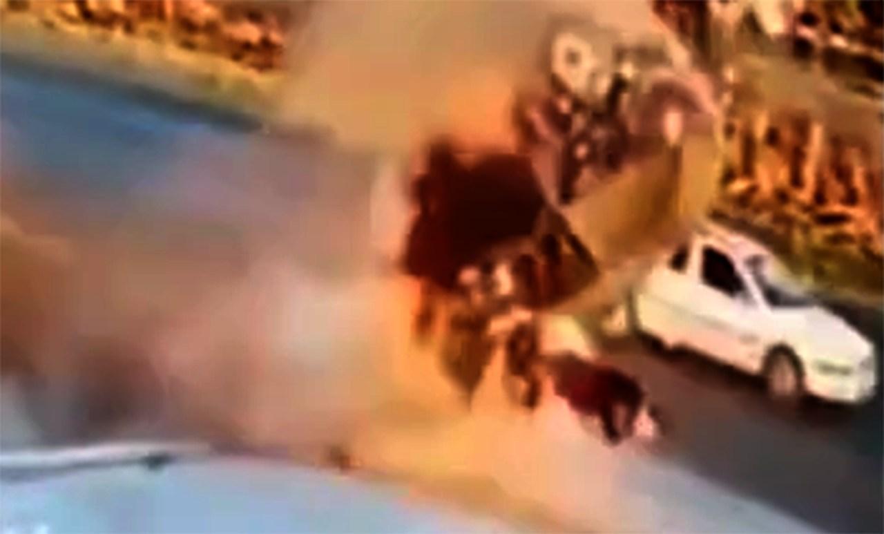 Capotamento: motorista é arremessado para fora de veículo