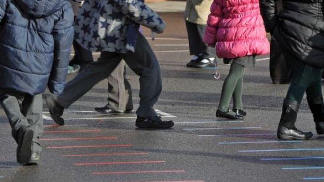 Coronavírus: surto após reabertura de escolas
