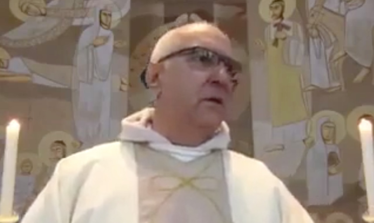 Igreja é assaltada durante missa online: padre pede socorro pela internet
